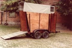 frühere Aufbauten Pferdetransportanhänger